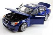 BMW M5 E60 2009, синий (1/18)