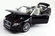 Audi RS4 Cabriolet 2006, черный (1/18)