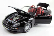Maserati Spyder 2001, черный (1/18)