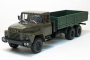 КрАЗ-250 бортовой 1977, хаки/зеленый (1/43)