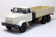 КрАЗ-250 бортовой 1985, белый/бежевый (1/43)