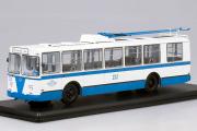 Троллейбус ЗИУ-682Б, белый/синий (1/43)