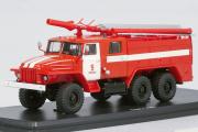 АЦ-40 (375Н) Ц1Ф ПЧ №9 г. Москва, красный/белый (1/43)