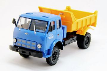 МАЗ-509Б самосвал 4х4 1970, синий/желтый (1/43)