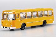 Автобус ЛиАЗ-677М городской, оранжевый (1/43)