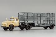 Горький-52-06 тягач 'Мосовощтранс' с полуприцепом-таровозом, бежевый/серый (1/43)