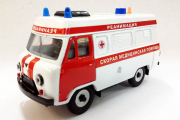 УАЗ-3962 высокая крыша 'Реанимация', белый/красный металл (1/43)