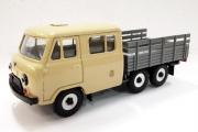 УАЗ-39094 бортовой 6х6, бежевый/серый металл (1/43)