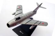 Самолет МиГ-17 (1/103)