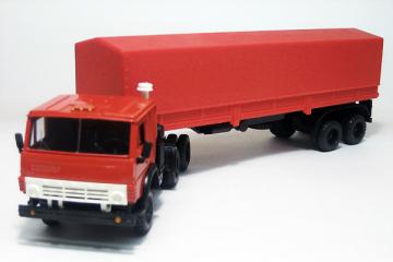 КАМАЗ-5410 тягач с п/пр ОДАЗ-9370 с тентом, красный (1/43)