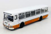 Автобус ЛиАЗ-677М городской, белый/оранжевый (1/43)