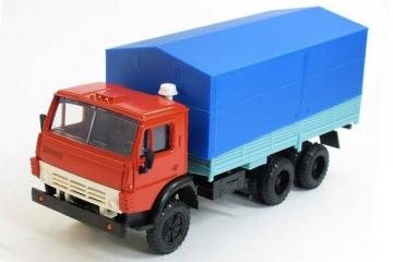 КАМАЗ-5320 бортовой с тентом, красный/синий (1/43)