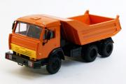 КАМАЗ-55111-05 самосвал с новой кабиной, оранжевый (1/43)
