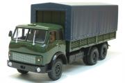 МАЗ-516Б бортовой с тентом 1977, хаки (1/43)