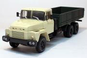 КрАЗ-250 бортовой 1977, бежевый/зеленый (1/43)
