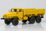 Урал-43202 бортовой (деревянная платформа), желтый (1/43)