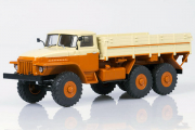 Урал-377 бортовой, оранжевый/бежевый (1/43)