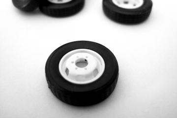 Покрышка + диск ГАЗель колесо запасное 1 шт., белый (1/43)