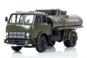 МАЗ-500А автоцистерна АЦ-8 'Огнеопасно', хаки (1/43)