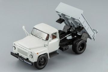 Горький-3504 самосвал 1975, белый/серый (1/43)