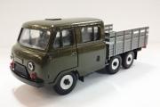 УАЗ-39094 бортовой 6х6, хаки/серый металл (1/43)