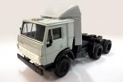КАМАЗ-54112 седельный тягач со спойлером, серый (1/43)