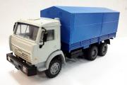 КАМАЗ-53205 бортовой с тентом 6х4, серый/синий (1/43)