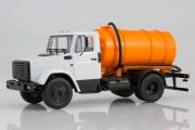 ЗИЛ-4333 с бочкой КО-520, белый/оранжевый (1/43)