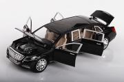 Mercedes Maybach S600 Limousin (свет, звук), черный (1/28)