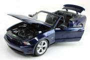Ford Mustang GT Convertible 2010, синий (1/18)