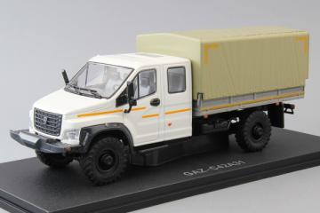 ГАЗон С42А31 двойная кабина бортовой с тентом 4х4, белый/серый (1/43)