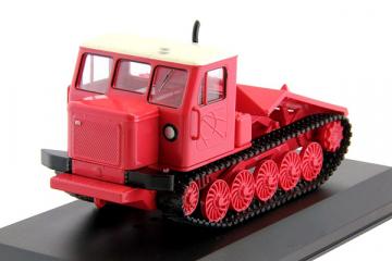 Трактор ТТ-4 гусеничный, красный (1/43)