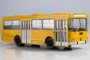 Автобус ЛАЗ-4202 городской, желтый (1/43)