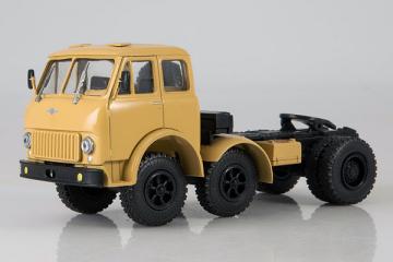 МАЗ-520 седельный тягач, бежевый (1/43)