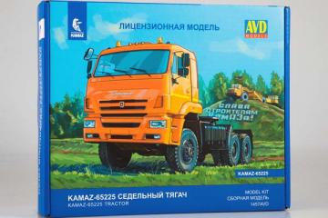 Сборная модель КАМАЗ-65225 (рейсталинг) седельный тягач 6х6 (1/43)